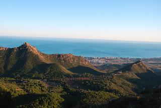 Mar y montaña se conjugan en Benicàssim.