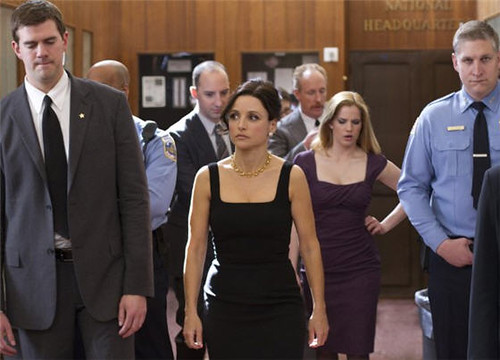 Selina Meyer walking with her staff on Veep