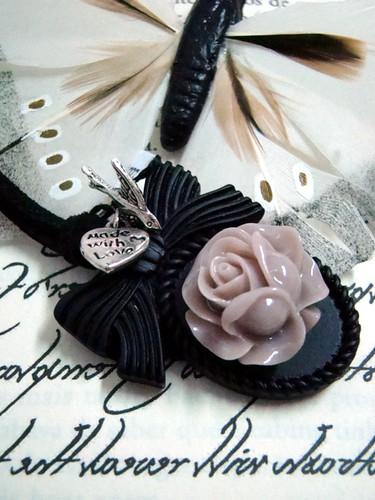 Colar rosa velho / preto by kideias - Artesanato