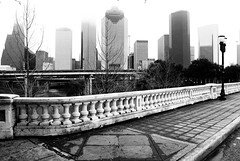 Sabine Street Bridge over Buffalo Bayou 1202181506BW