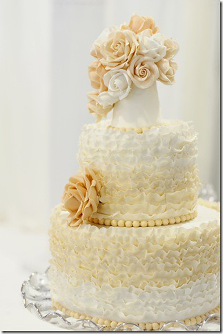how to make ruffle wedding cake ruffle wedding cake flickr photo 15989