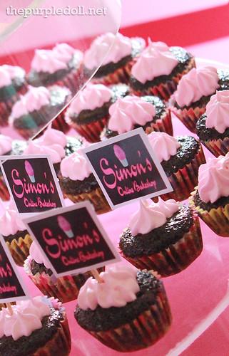 Simon's Online Bakery Mini Cupcakes