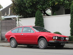 bmw 6 series (e24)(0.0), sports car(0.0), automobile(1.0), alfa romeo(1.0), executive car(1.0), alfa romeo sprint(1.0), vehicle(1.0), land vehicle(1.0),