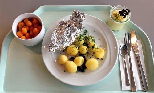 Lachs aus der Folie mit Fencheltomaten / Foil salmon with fennel tomatoes