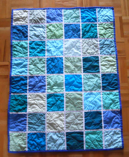 baby boy quilt 1, made with Poseidon Kona FQ pack
