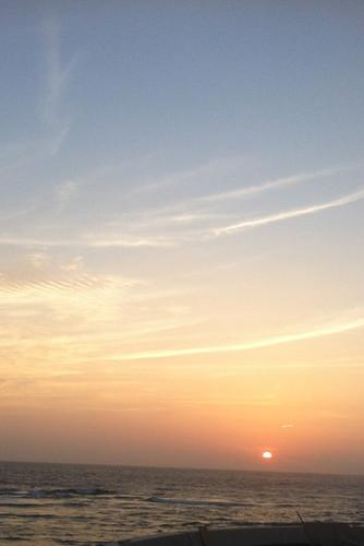 部屋から見る夕日