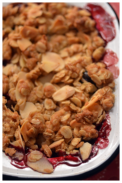 angelino plum and apple crumble© by Haalo