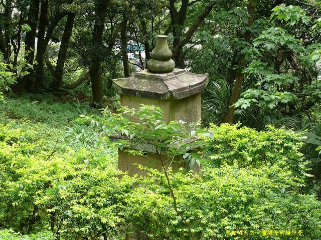 2012 0501大溪齋明寺的惜字亭004