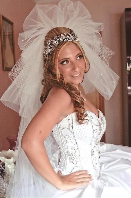 BSB bride  Joanna wearing her pouf veil