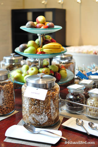 12-05-11_glassBreakfast
