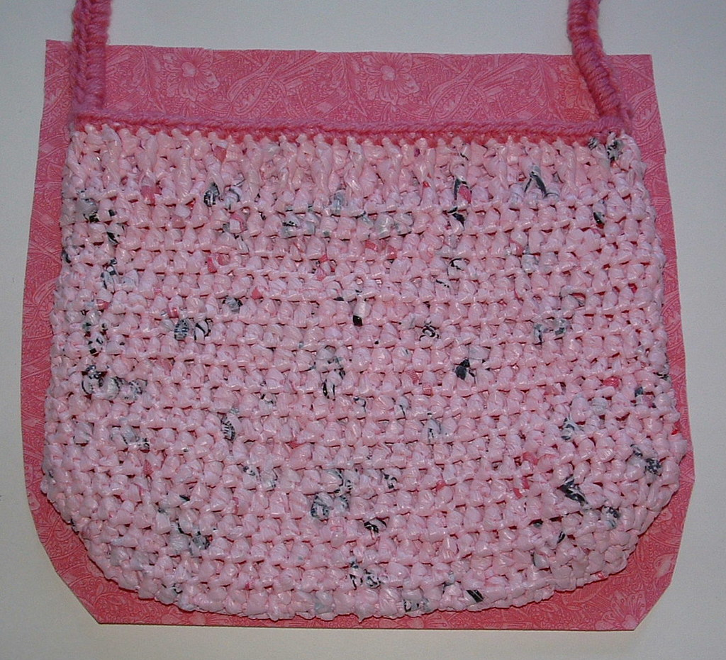 Handbag Lining Material : Lining the pink passion plarn purse my recycled bags