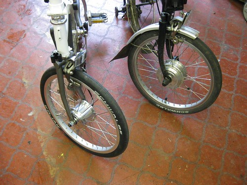 Motors built into rims, either radial or cross one (X1)  spoke patterns can be used.