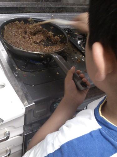 男の料理:スパゲティでジャージャー麺