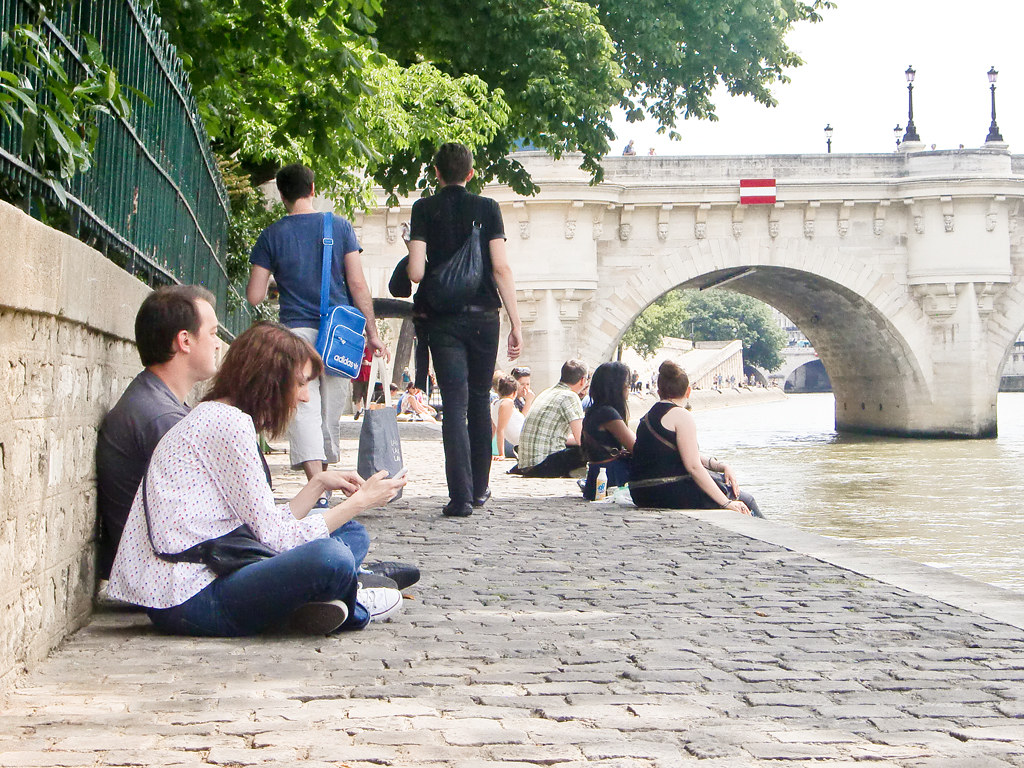 Lunch at the river Seine, Paris