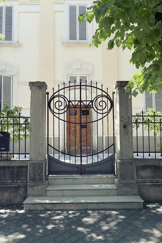 door urban suburban fabrizio urbano periferia umbria 2012 portone olivi foligno