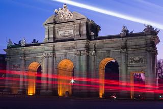 Εικόνα από Puerta de Alcalá. madrid españa night atardecer arquitectura nocturna urbana bluehour comunidaddemadrid horaazul