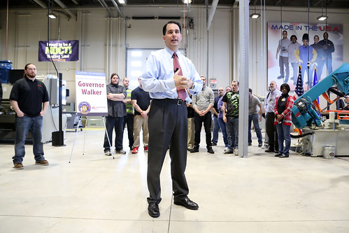 Governor Scott Walker Visits Gateway's SC Johnson iMET Center on Tuesday, March 18, 2014