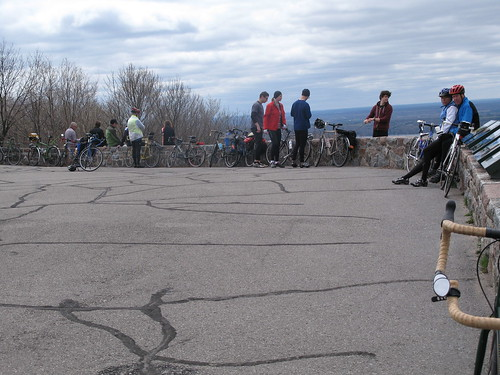 Cyclists at Champlain Lookout