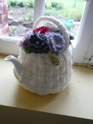 Flower basket teacosy2