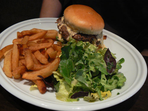 Burger Passy.jpg