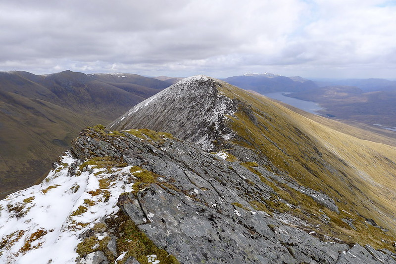 Looking along the ridge to the east top of Lurg Mhor