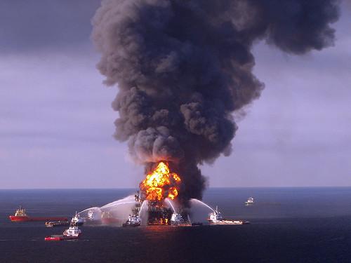 US-BLAST-OIL-ENERGY-SINKS