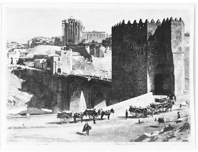 Puente de San Martín en 1914. Fotografía de James Craig Annan