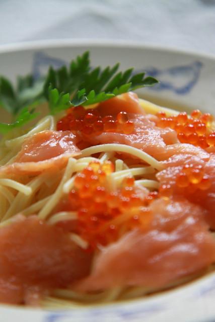 smoked salmon caviar pasta