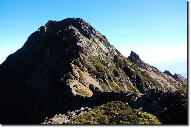 主峰與鳳尾岩