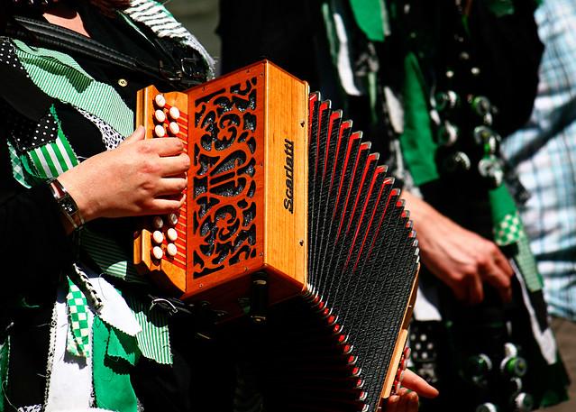 folk dance2