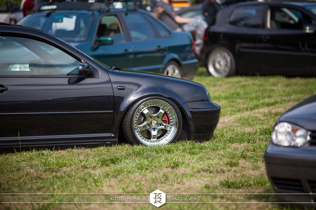 black mk4 vw on airride at southern worthersee 2012