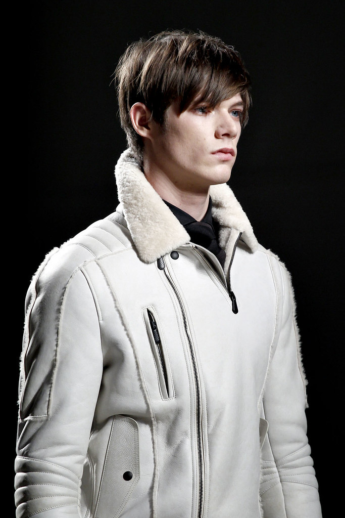 Conrad Leadley3006_FW12 Milan Bottega Veneta(VOGUE)