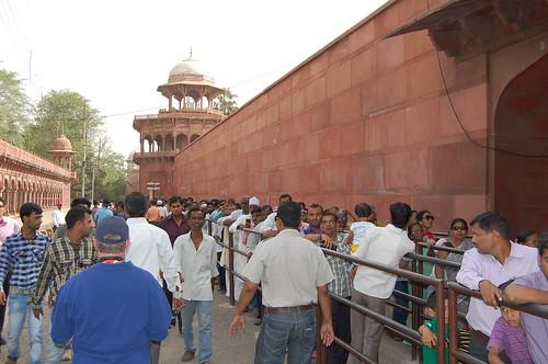 Queue at the Taj Mahal