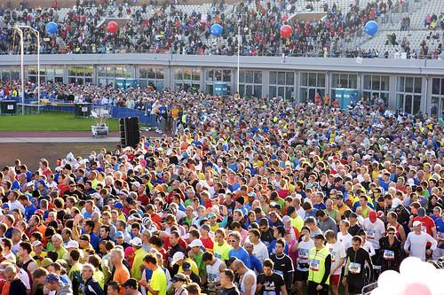 Rett før start for Amsterdam maraton 2011