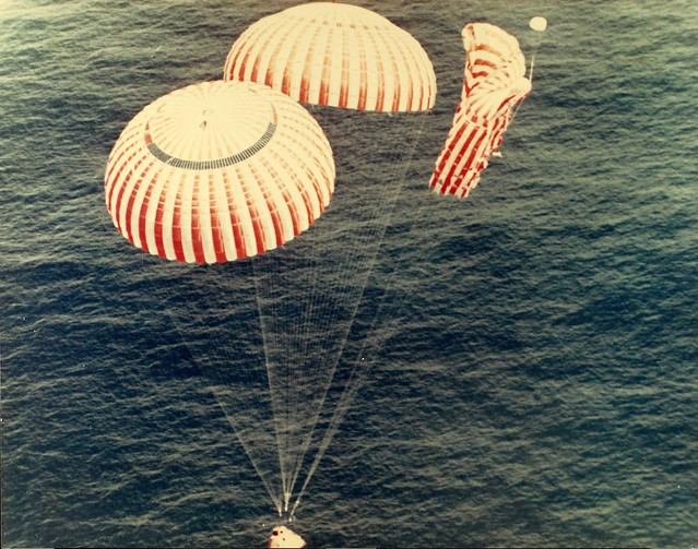 apollo 11 splashdown location - photo #16