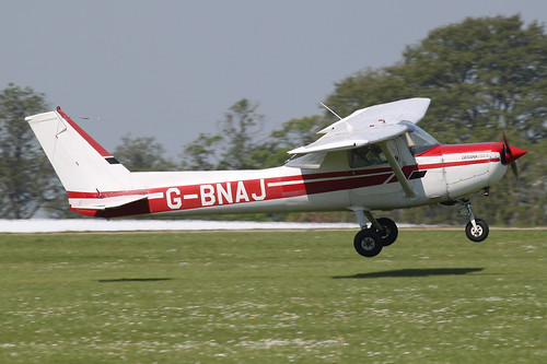 G-BNAJ - 1979 build Cessna 152, arriving at AeroExpo 2012