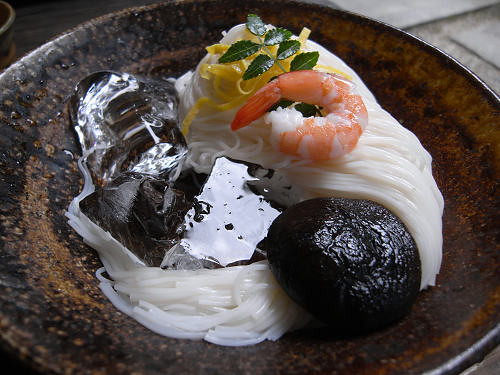 大神神社の鳥居脇の素麺店『そうめん処 森正』@桜井市