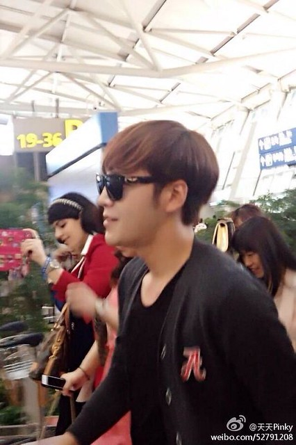 [Pics] JKS departs from Seoul to Beijing_20140425 14019397075_fc95bc51e8_z