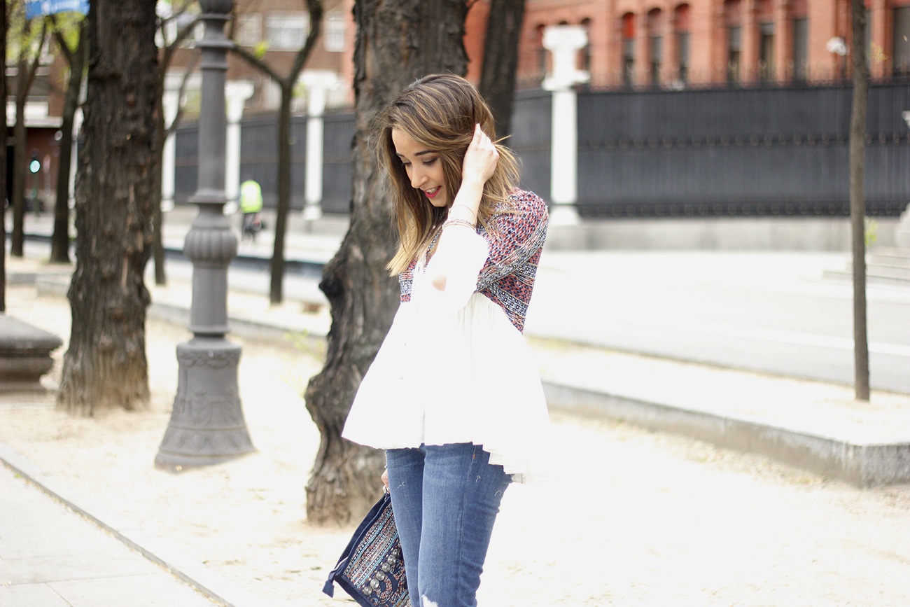 embroidered jacket jeans heels accesories spring style fashion outfit16