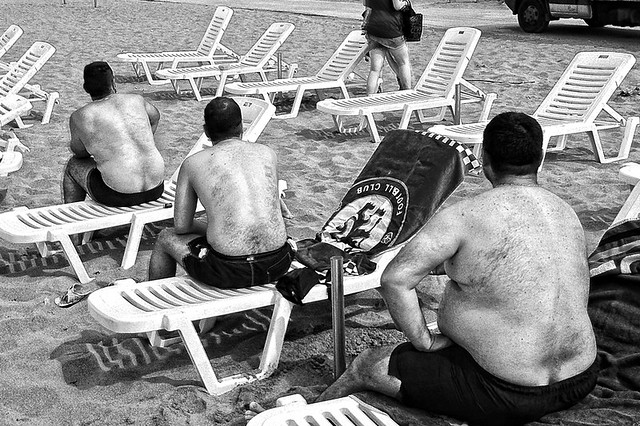 Beach - 35 Fantastic Black and Whiite Street Photographs