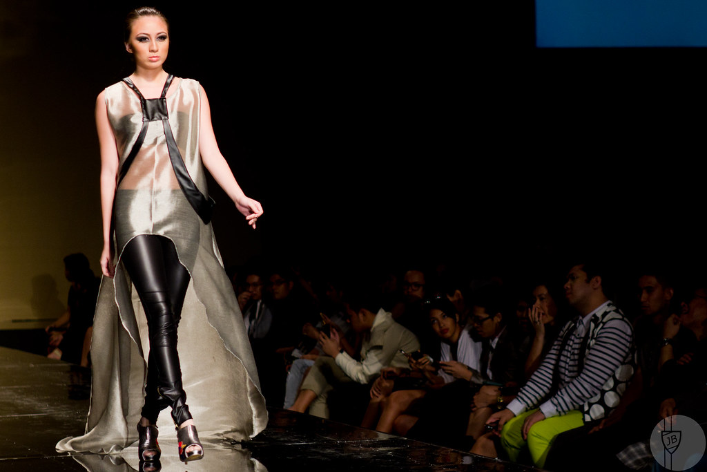 Philippine Fashion Week - Sassa Jimenez