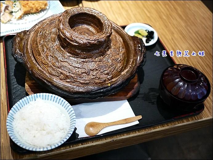 9 里肌豬排鍋膳套餐