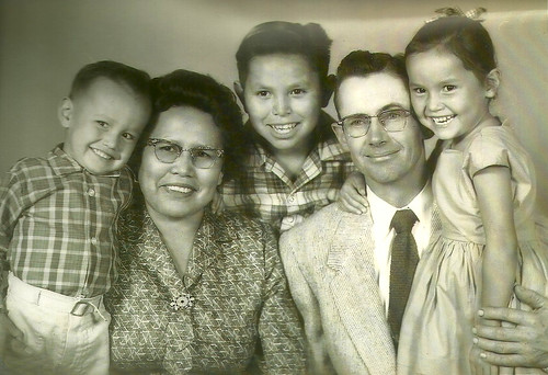 Lind_Sombrero_Family_Photo_1959