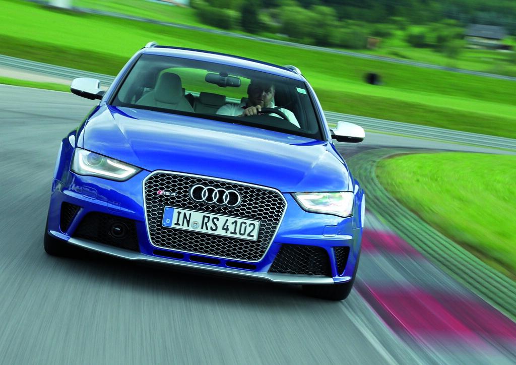 Audi rs4 avant 2013 12
