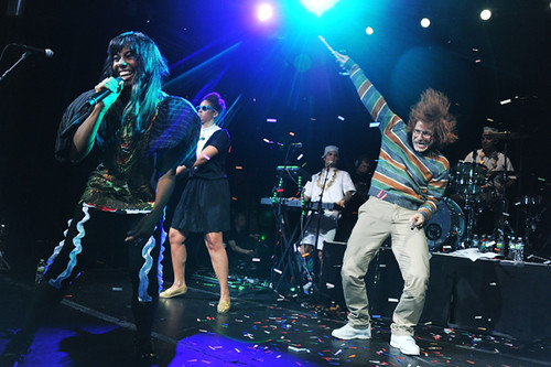 Samsung Mobile USA: 5MM Fans Appreciation Performance By Santigold Plus Special Guests
