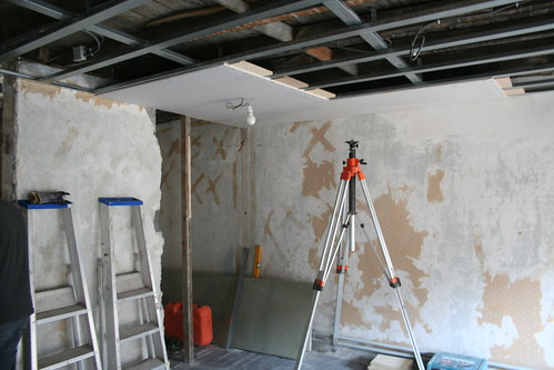 kijk! dat is een nieuw plafond!