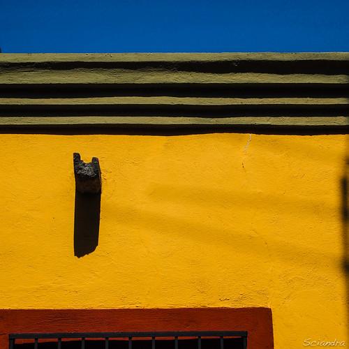 blue red color green yellow square mexico colonial sanmigueldeallende guanajuato minimalism cornice waterspout elcentro facadedetail olympuspenpl1 mtsciandra mariasciandraphotography