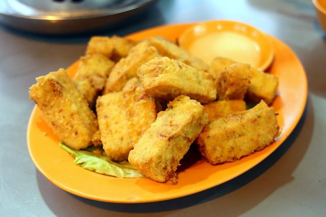 天外天鱼头蒸船:沙拉豆腐
