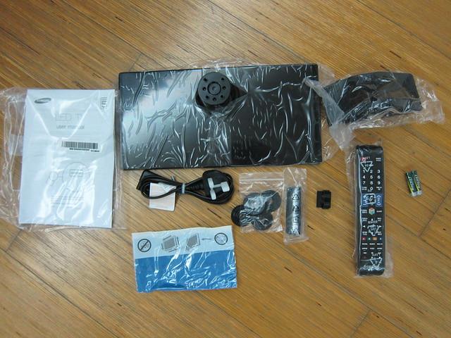 UA32ES5500M - Box Content