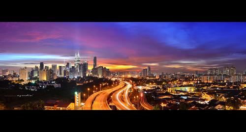 city travel blue light sunset sky panorama cloud architecture photography lowlight nikon cityscape trails tokina1224 malaysia photomerge bluehour kualalumpur dri klcc exposures lighttrail longexposures digitalblending sifoocom d7000 hdcpl azrudin